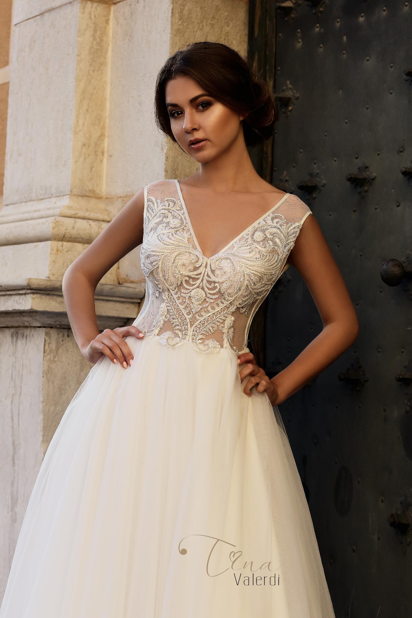 vestuvines-sukneles-tina-valerdi-Francisca1
