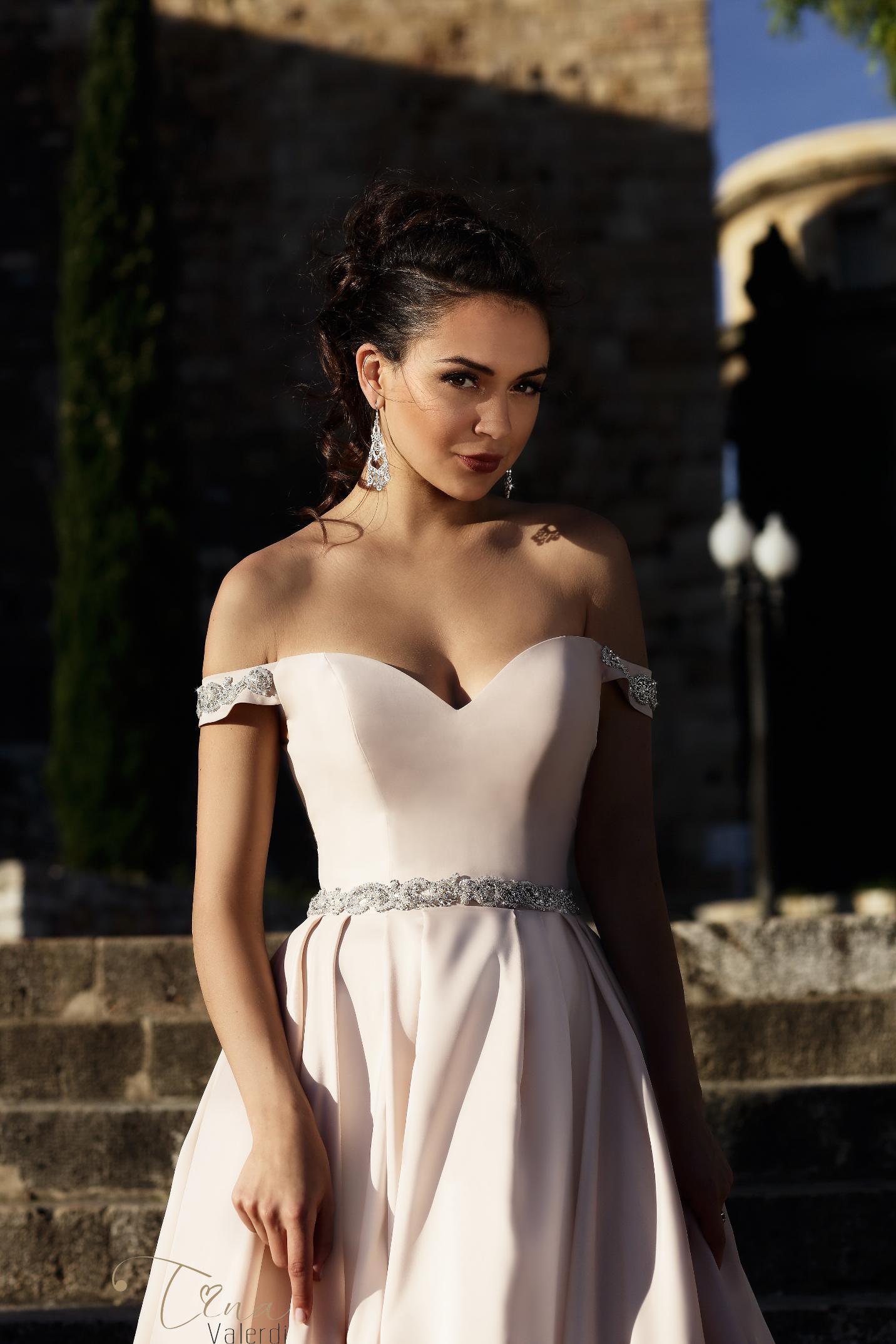 vestuvines sukneles tina valerdi Marisa4