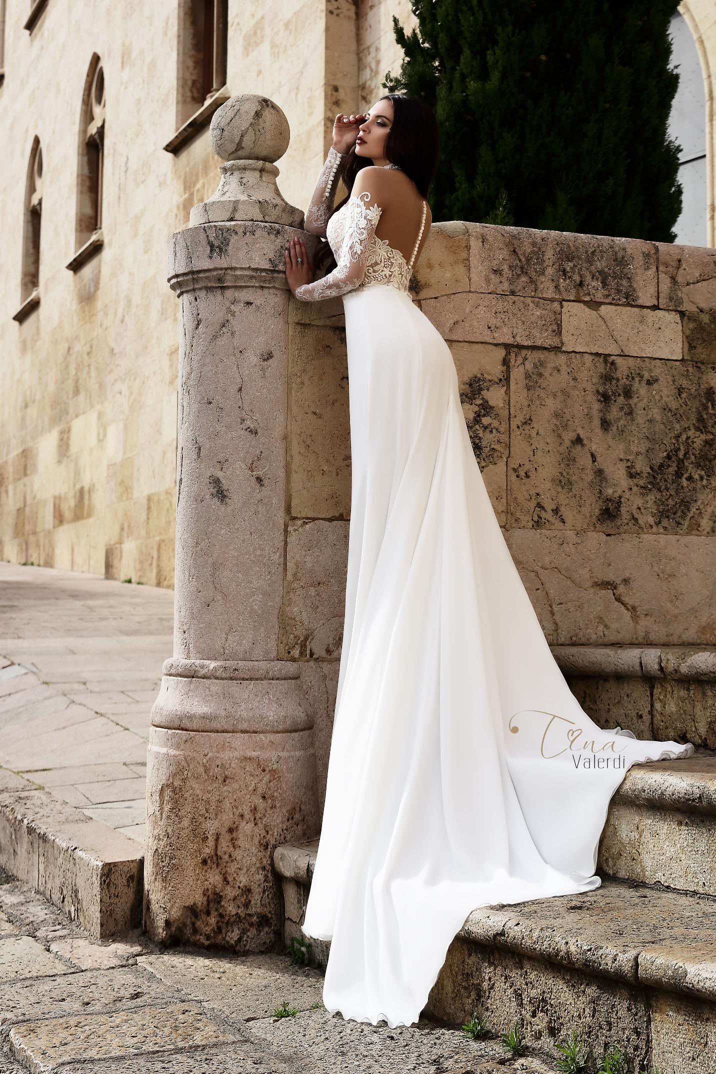 vestuvines-sukneles-tina-valerdi-Virginia1