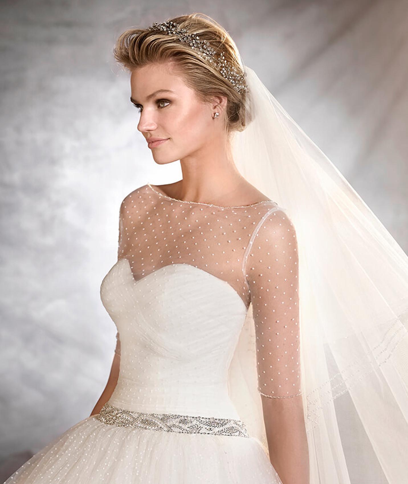 vestuvines sukneles 2018 metu tendencijos 1