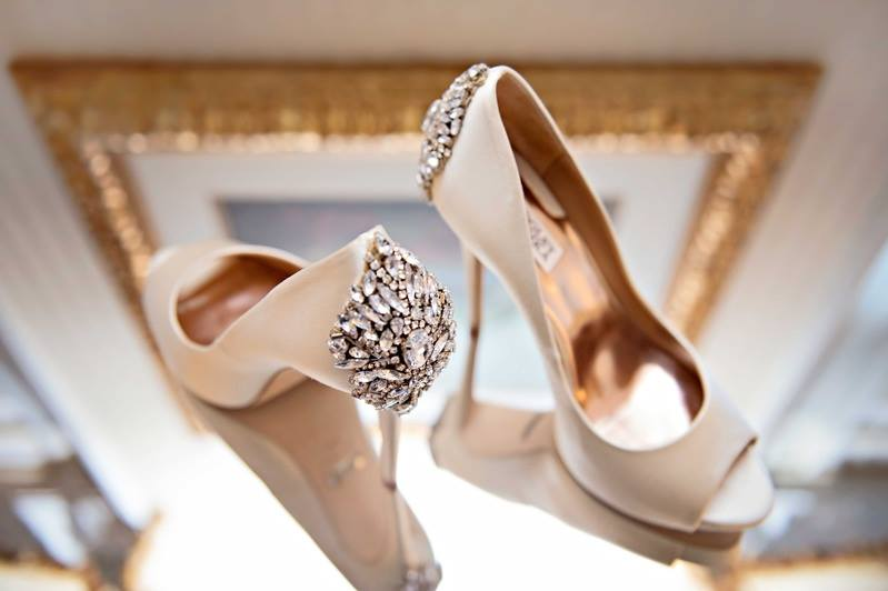 badgley mischka vestuviniai bateliai