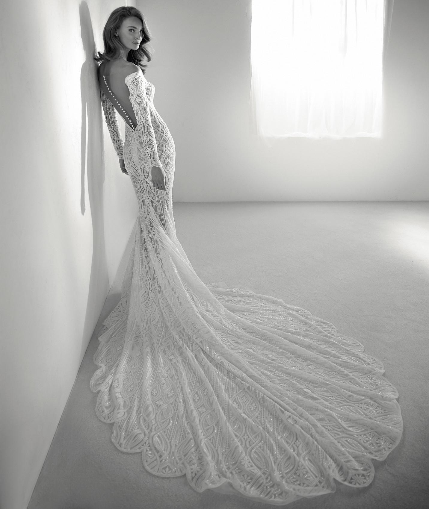 vestuvines sukneles atelier pronovias royal b