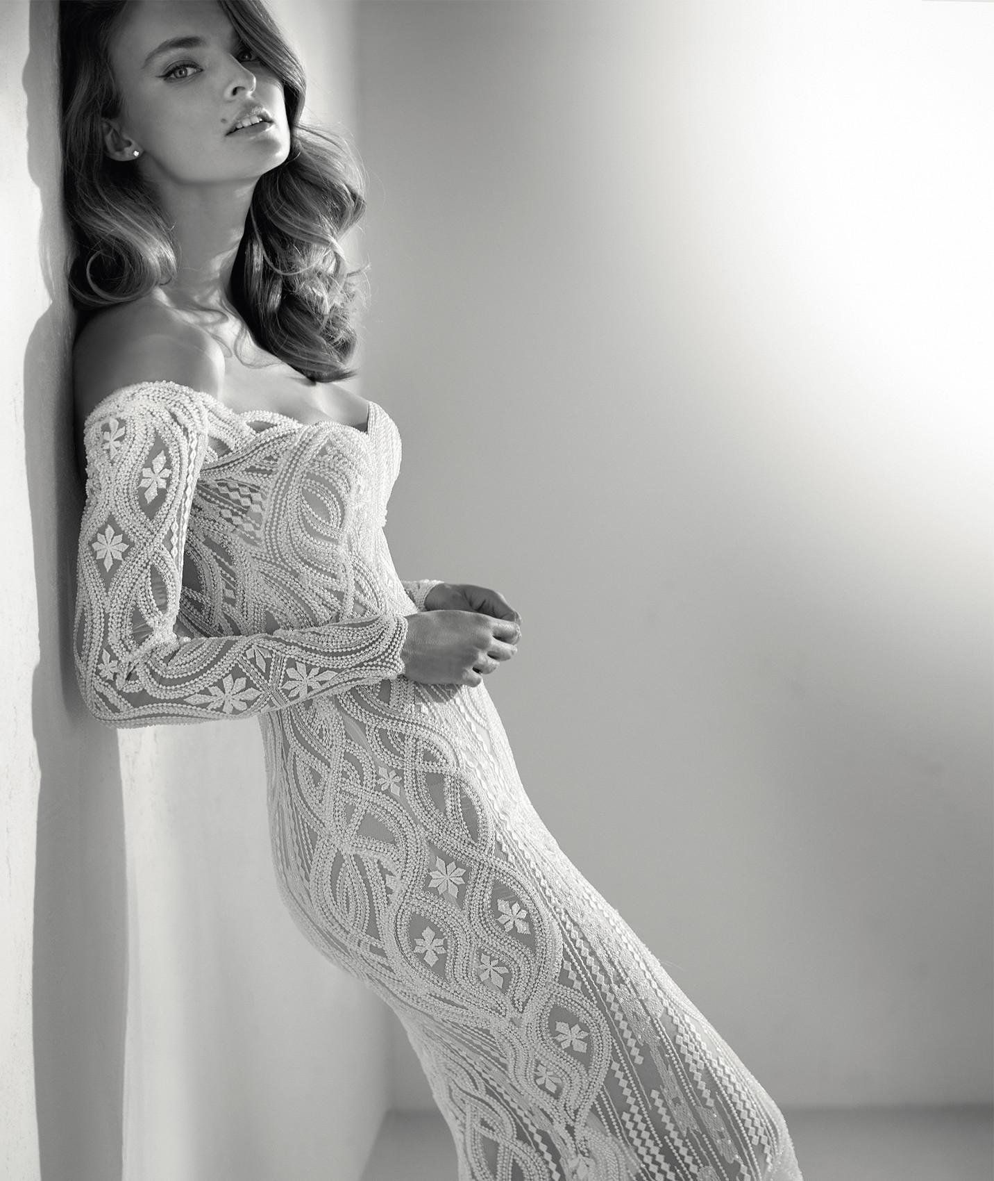 vestuvines sukneles atelier pronovias royal c