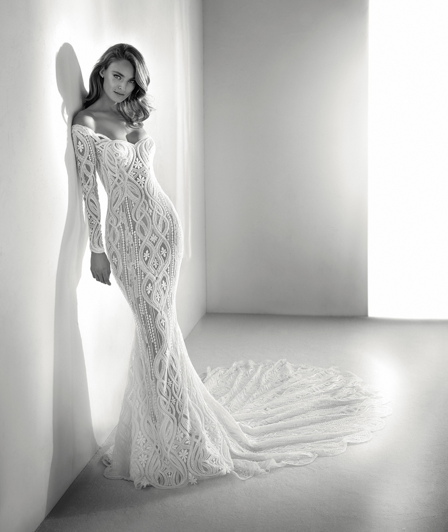 vestuvines sukneles atelier pronovias royal