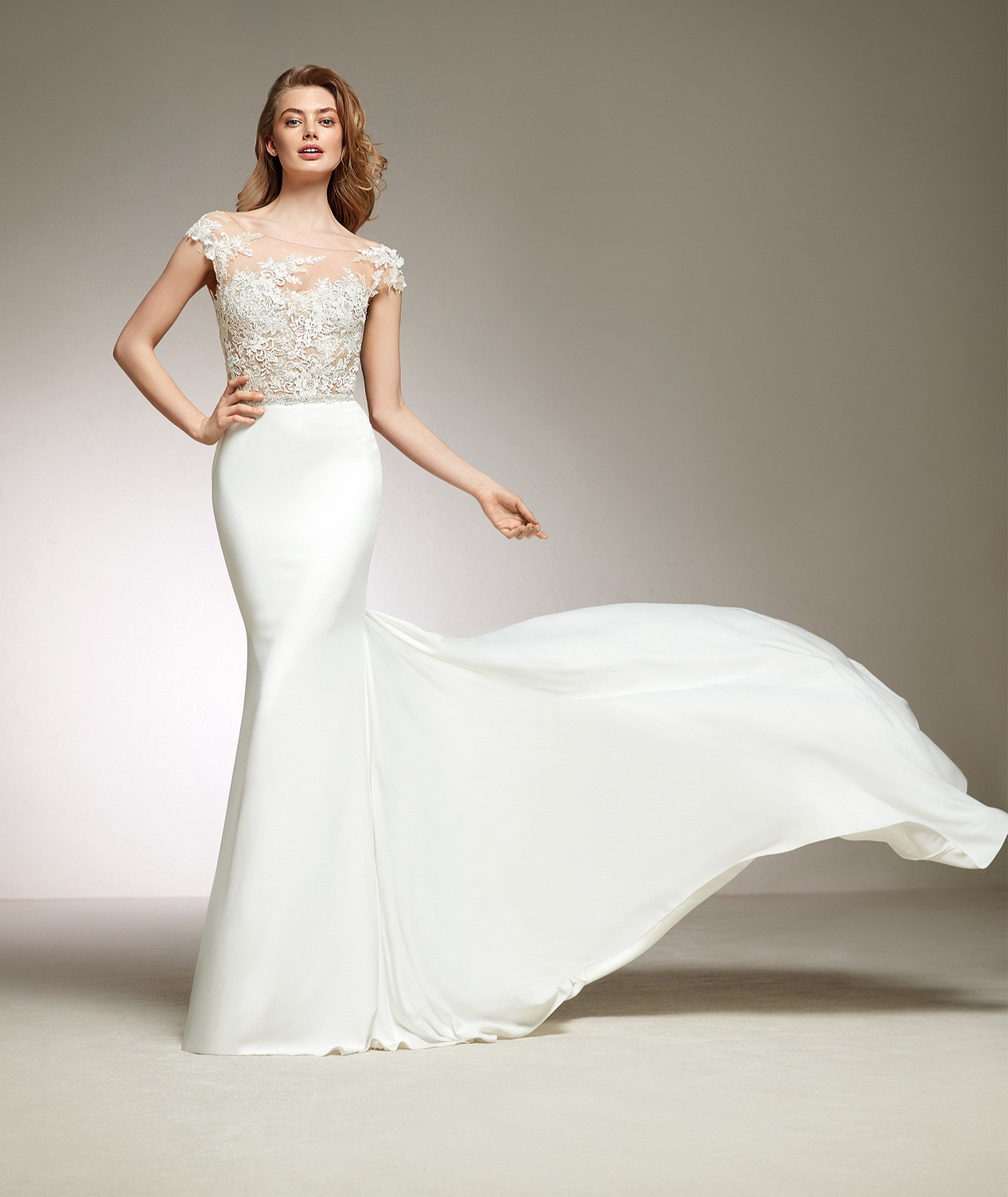 vestuvines-sukneles-pronovias-danka-2