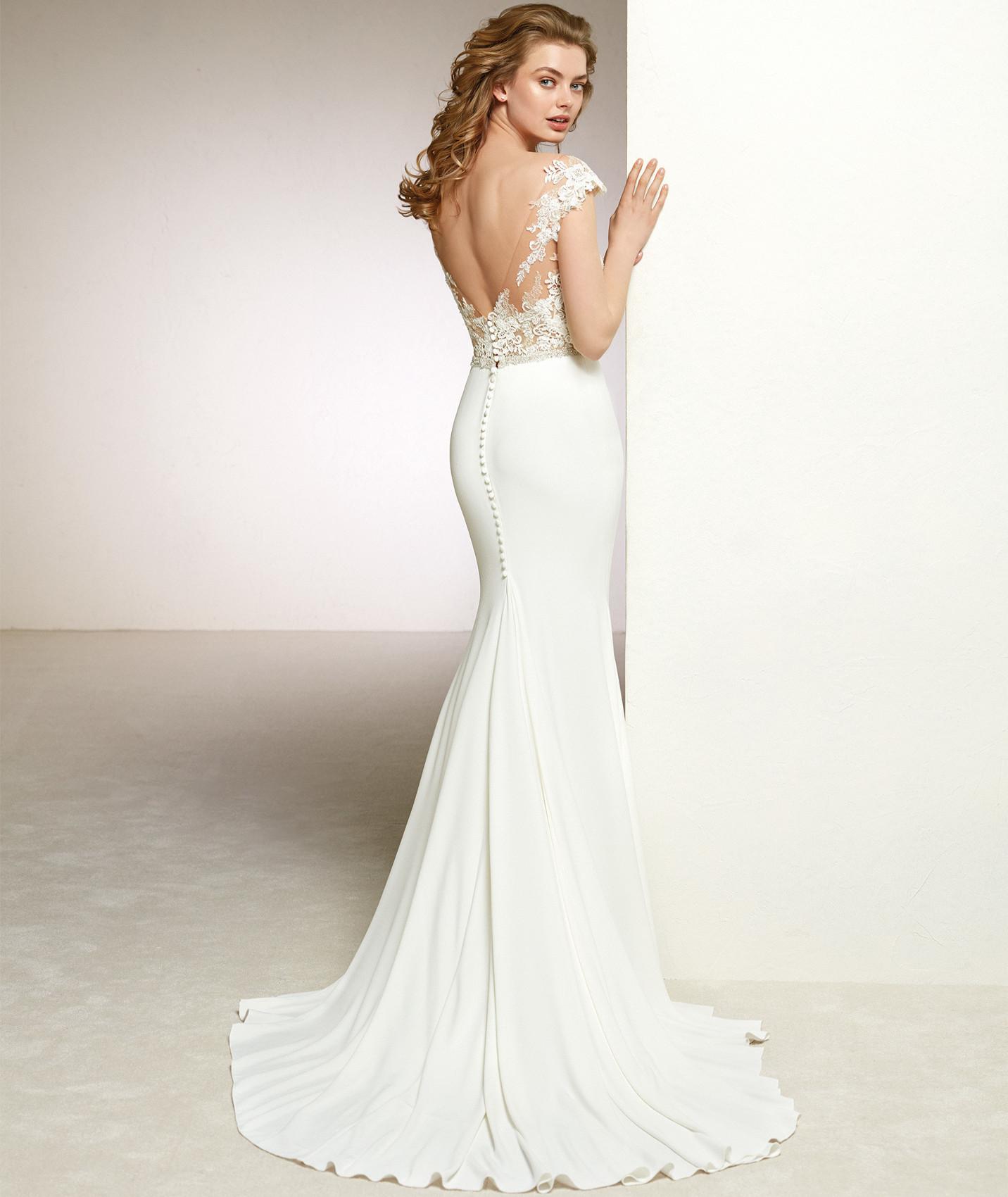 vestuvines-sukneles-pronovias-danka-3