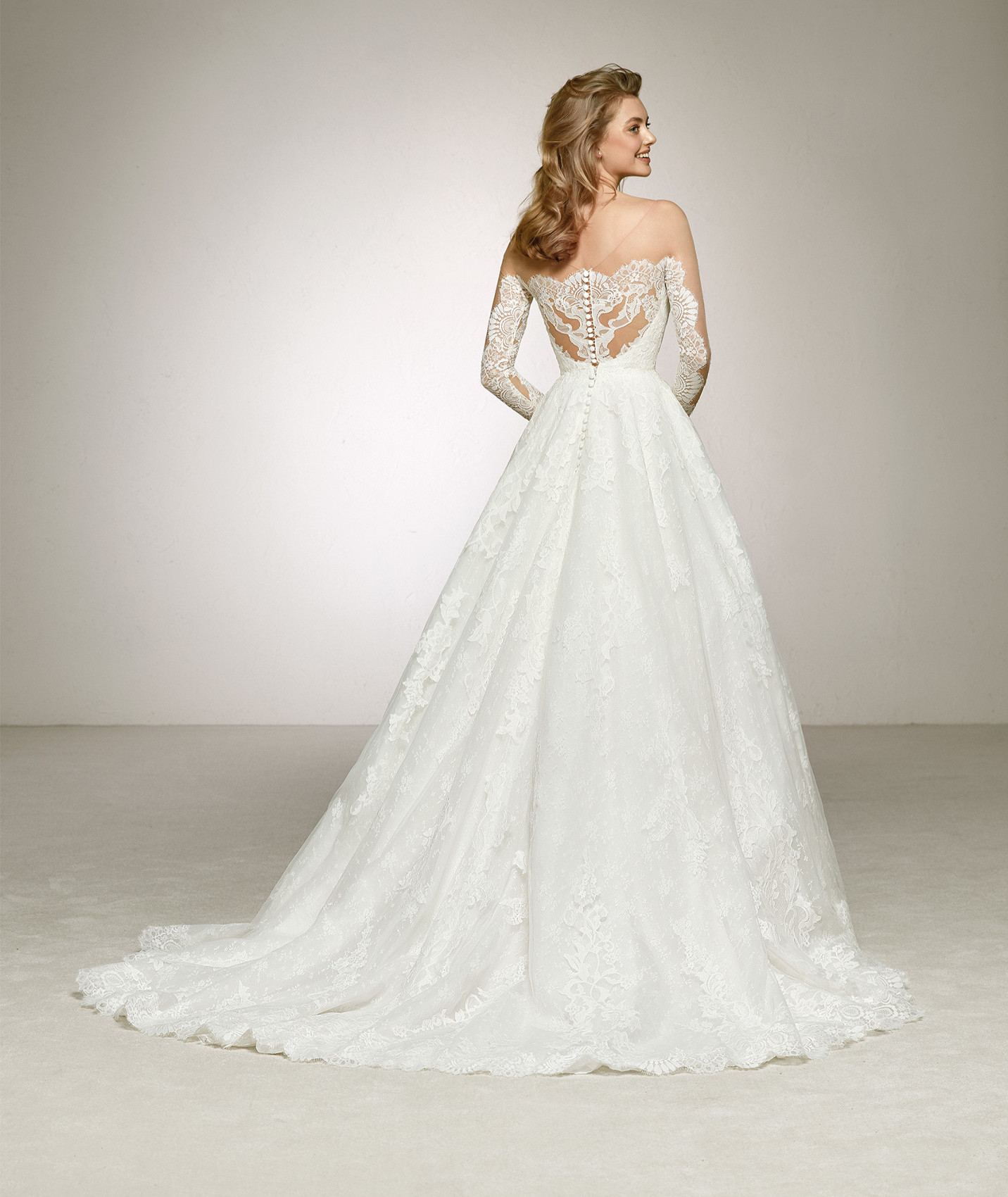 vestuvines sukneles pronovias digna b