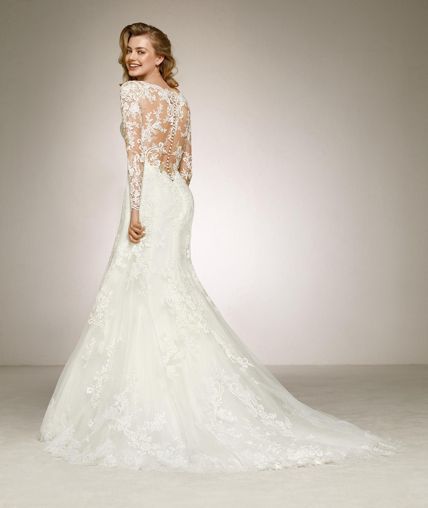 vestuvines-sukneles-pronovias-dilia-b