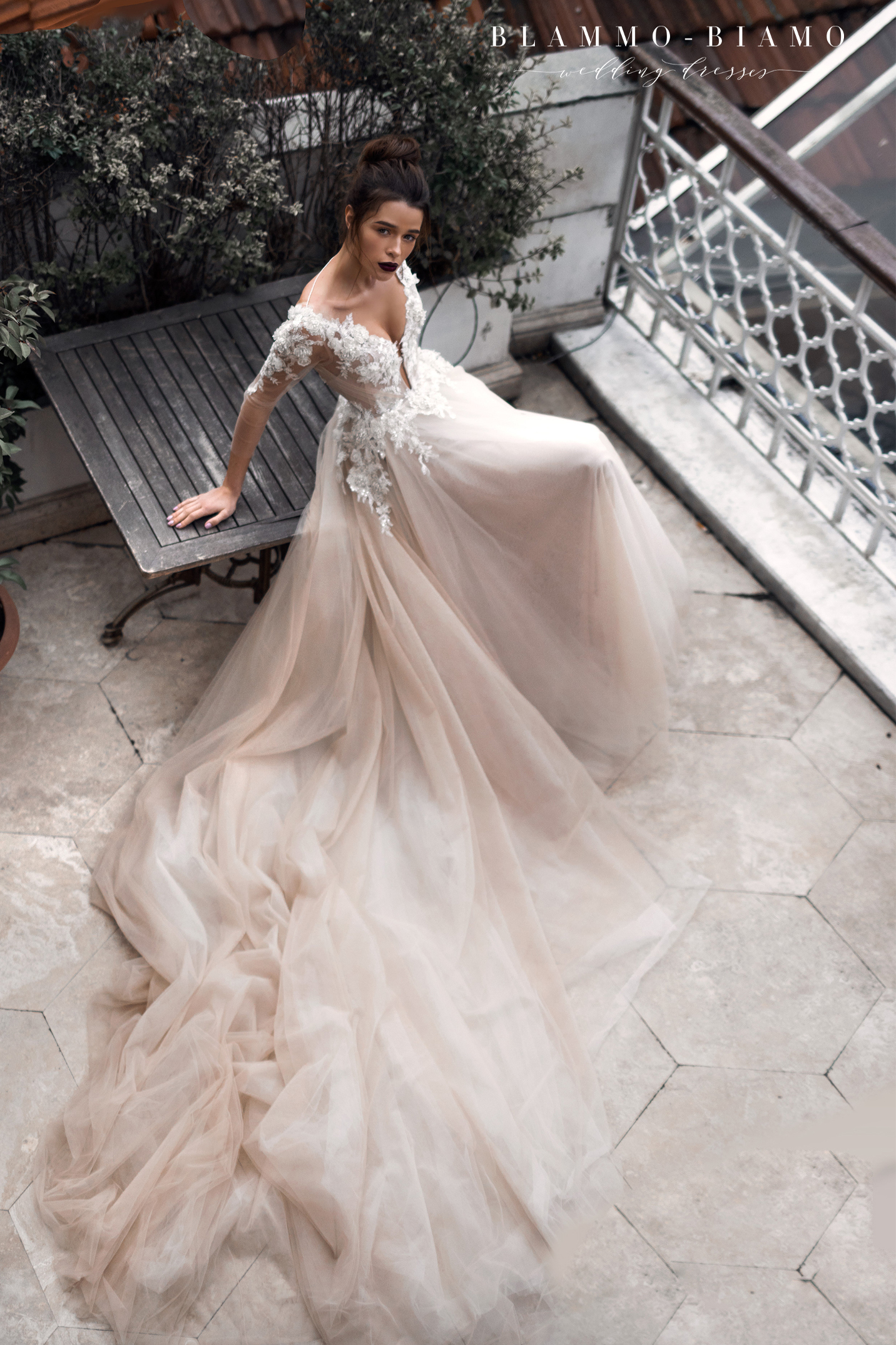 vestuvines-sukneles-blammo-biamo-ainar-3