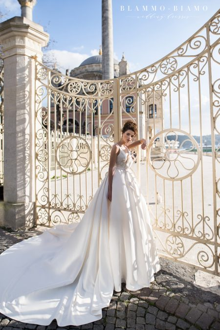 Beata wedding dress