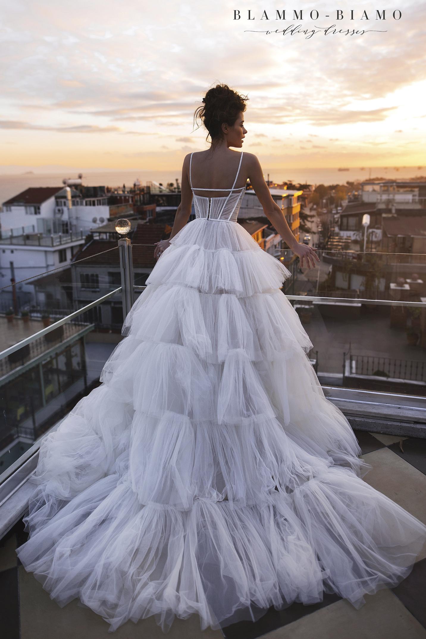 vestuvines-sukneles-blammo-biamo-liam-2
