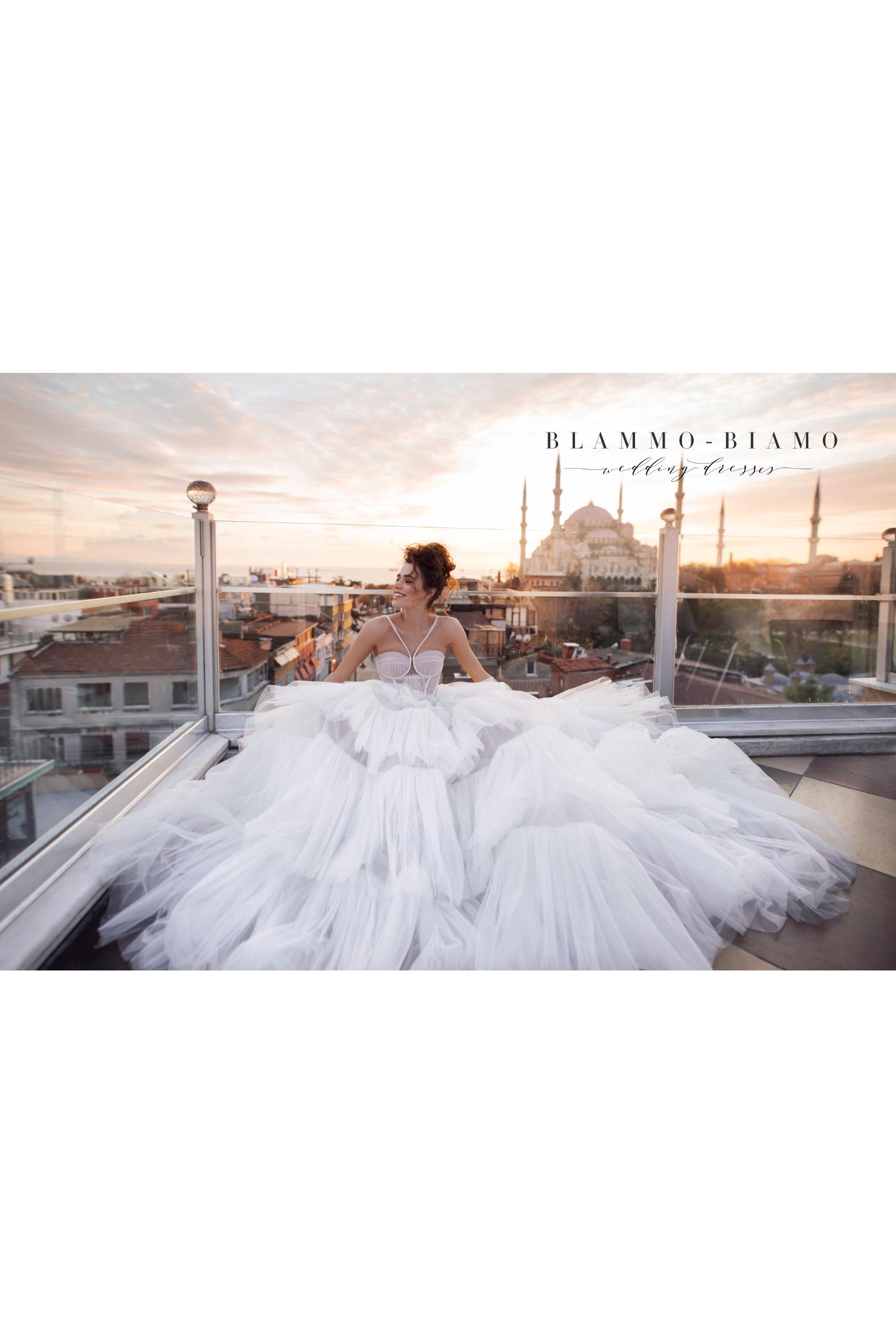 vestuvines-sukneles-blammo-biamo-liam-3