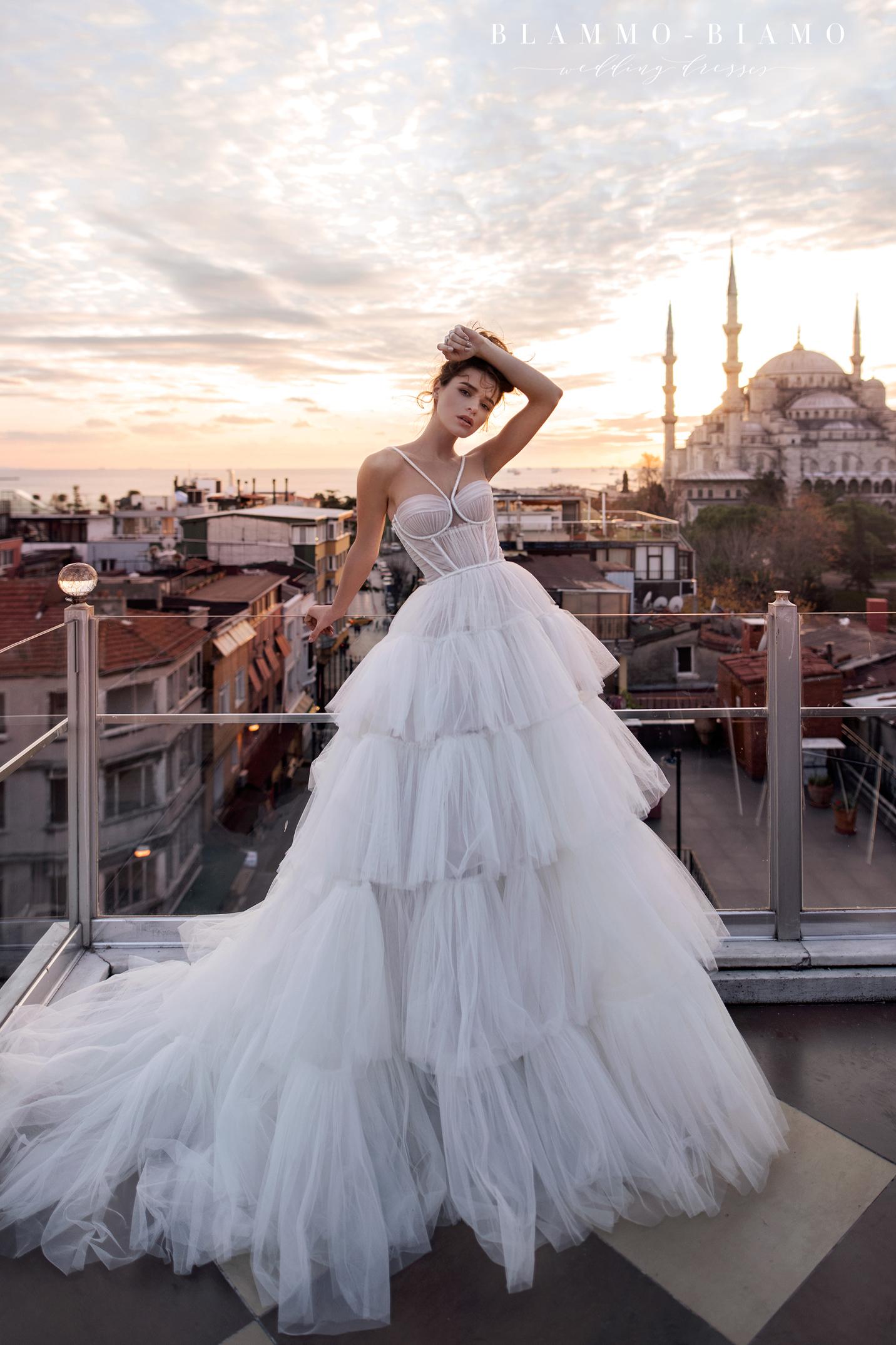 vestuvines-sukneles-blammo-biamo-liam-6