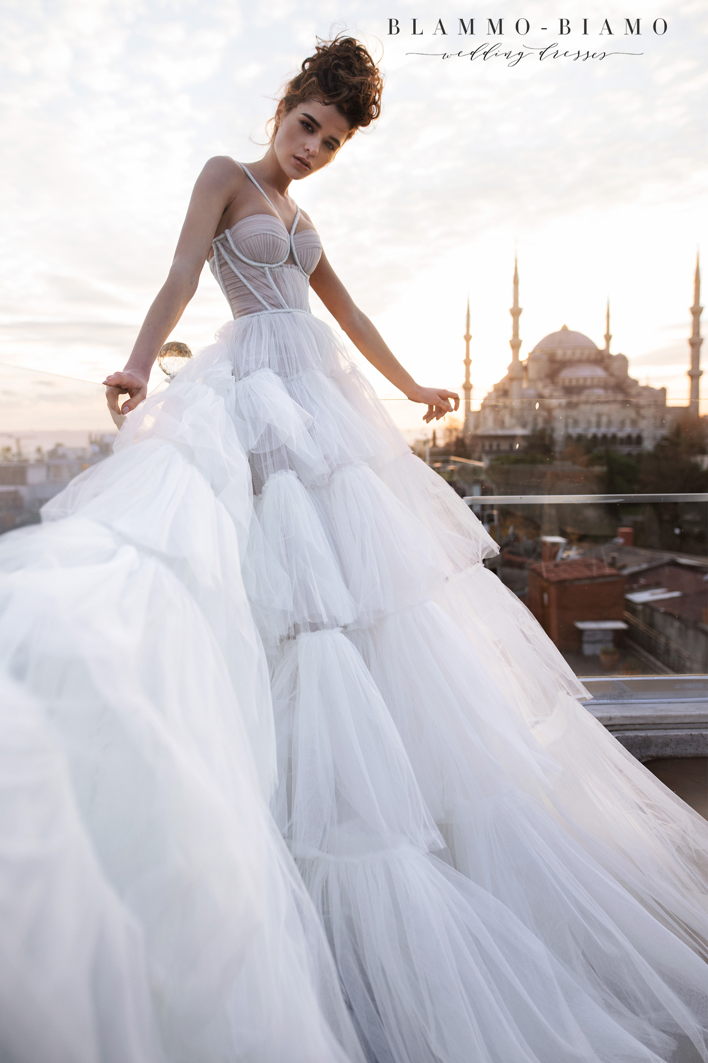 vestuvines-sukneles-blammo-biamo-liam-7