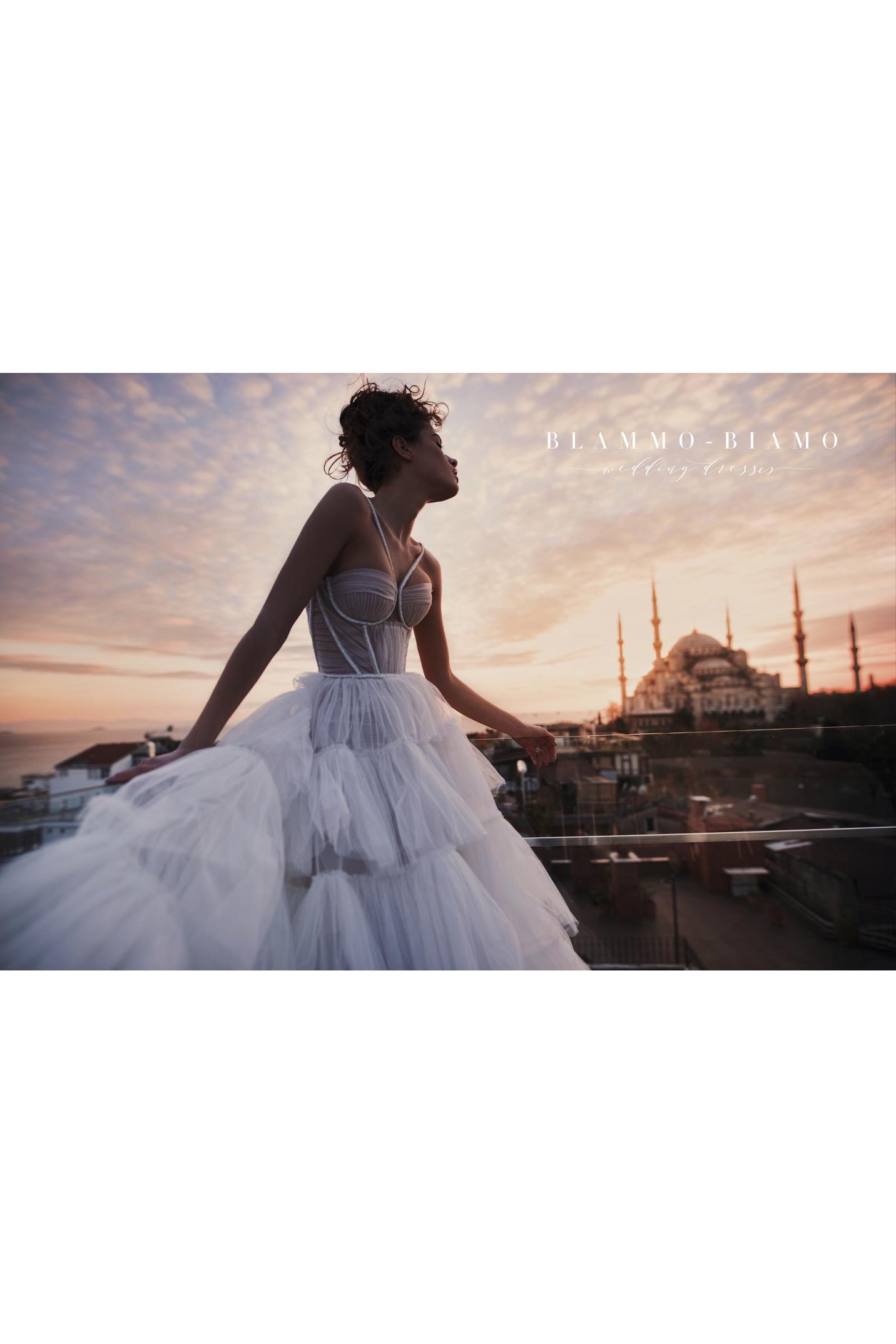 vestuvines-sukneles-blammo-biamo-liam