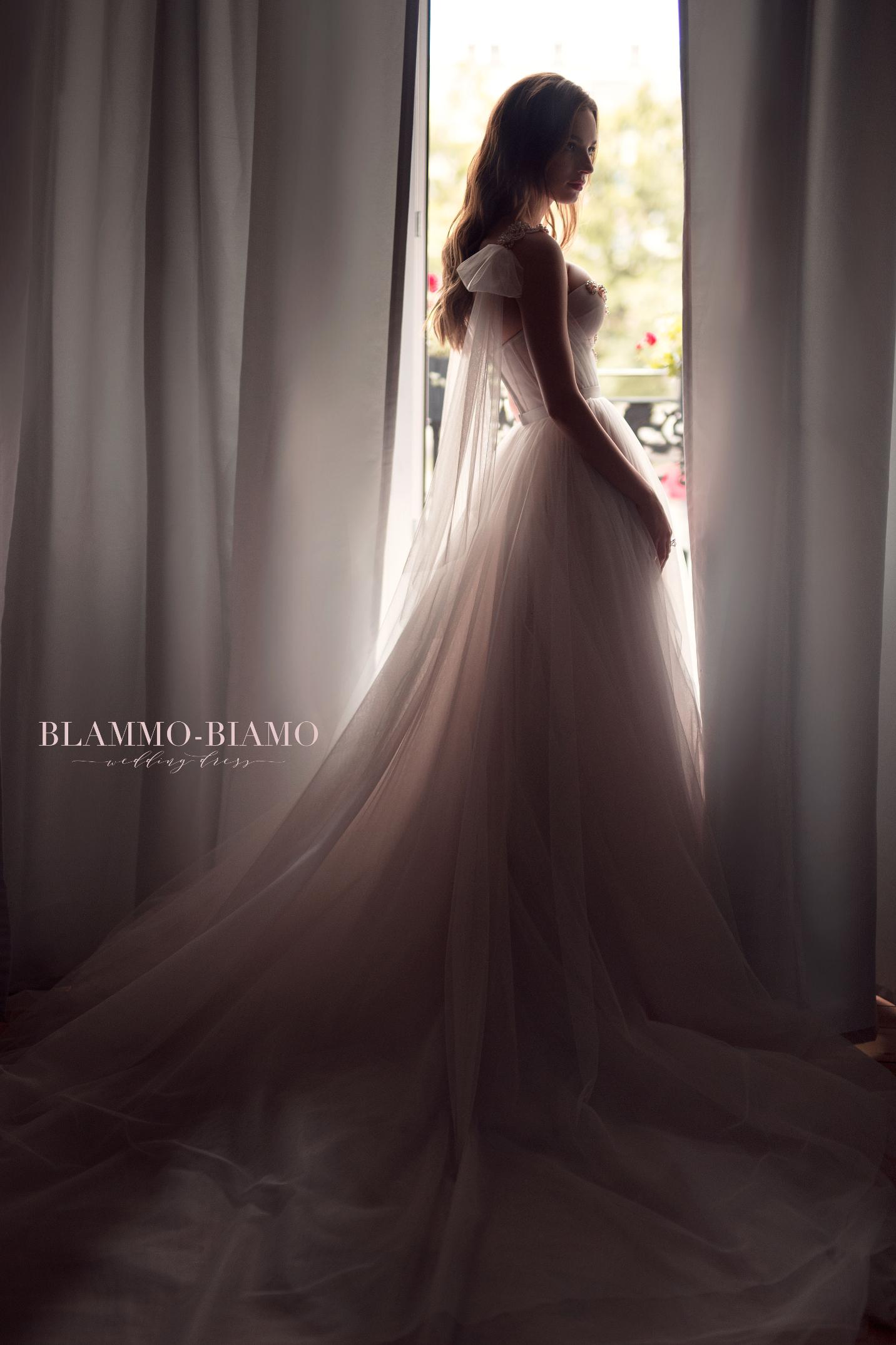 vestuvines-sukneles-blammo-biamo-nora-2