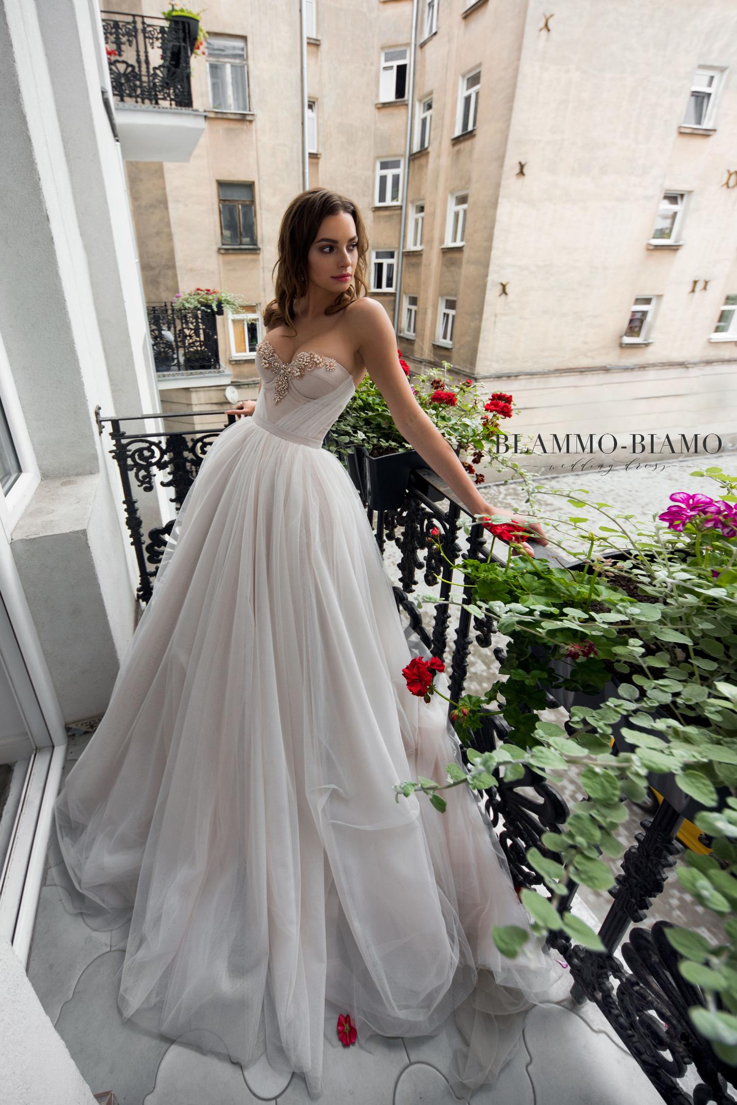 vestuvines-sukneles-blammo-biamo-nora-4