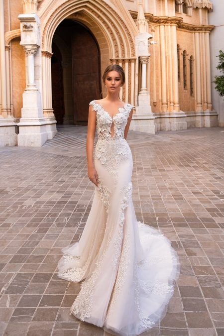GA 02-18 wedding dress