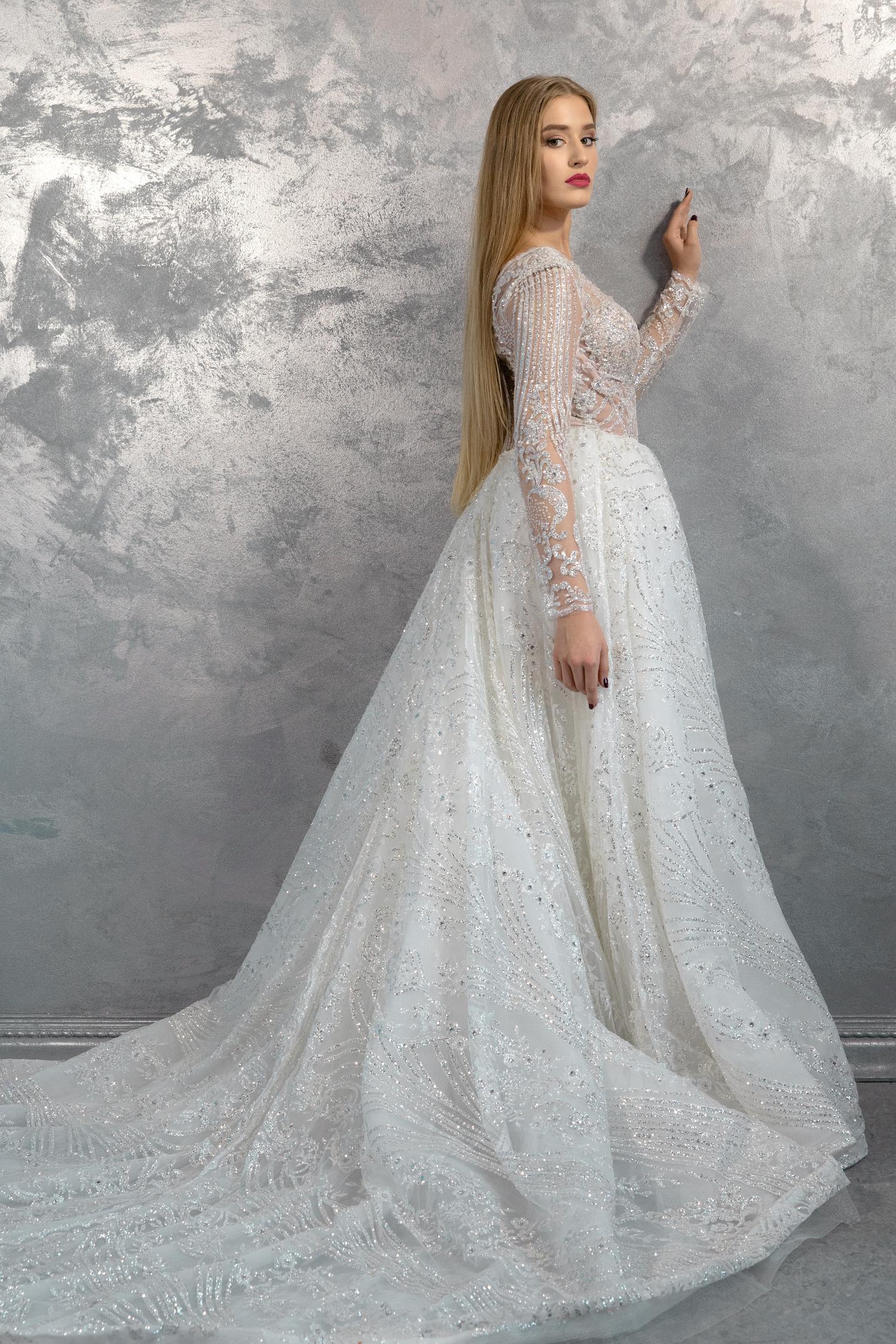 vestuvines-sukneles-nina-sarkisyants-HC-13