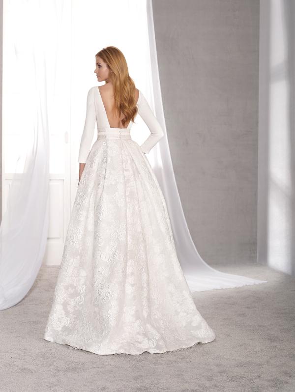 vestuvines-sukneles-novias-dart-acacia-2