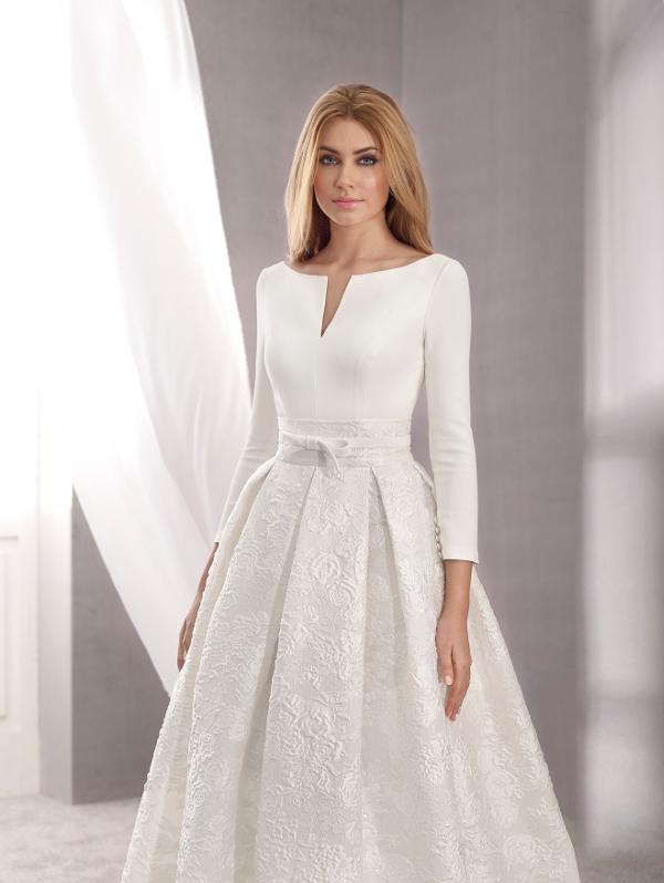 vestuvines-sukneles-novias-dart-acacia-3