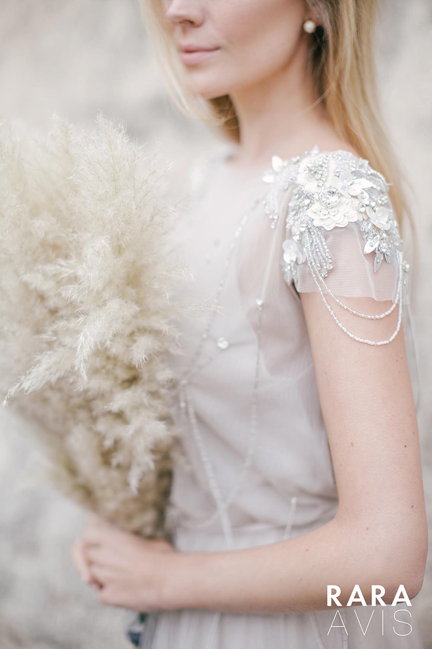 vestuvines-sukneles-rara-avis-ivanel-4