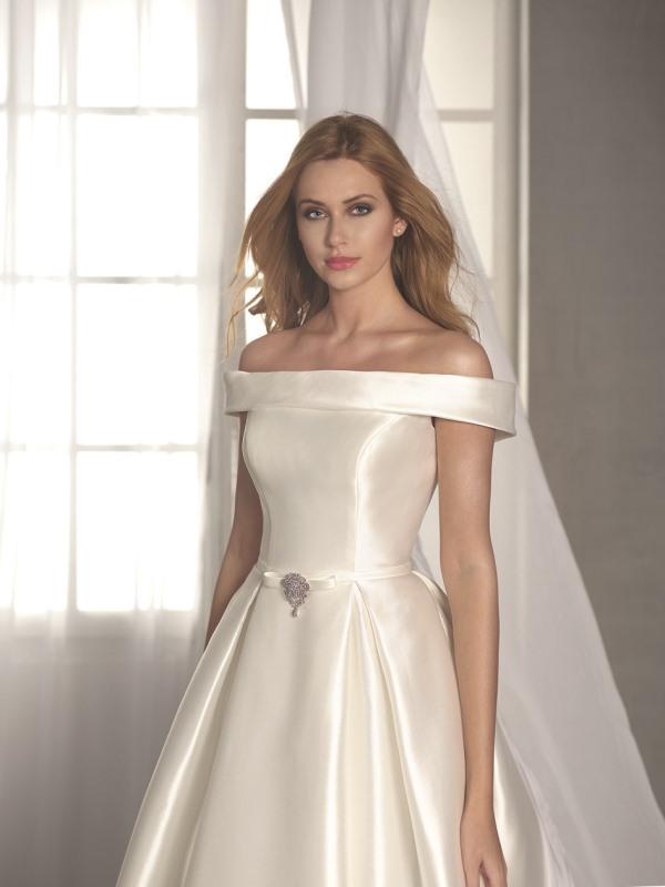 Fara Sposa 5412 wedding dress at Mode Bridal shop Brighton front a