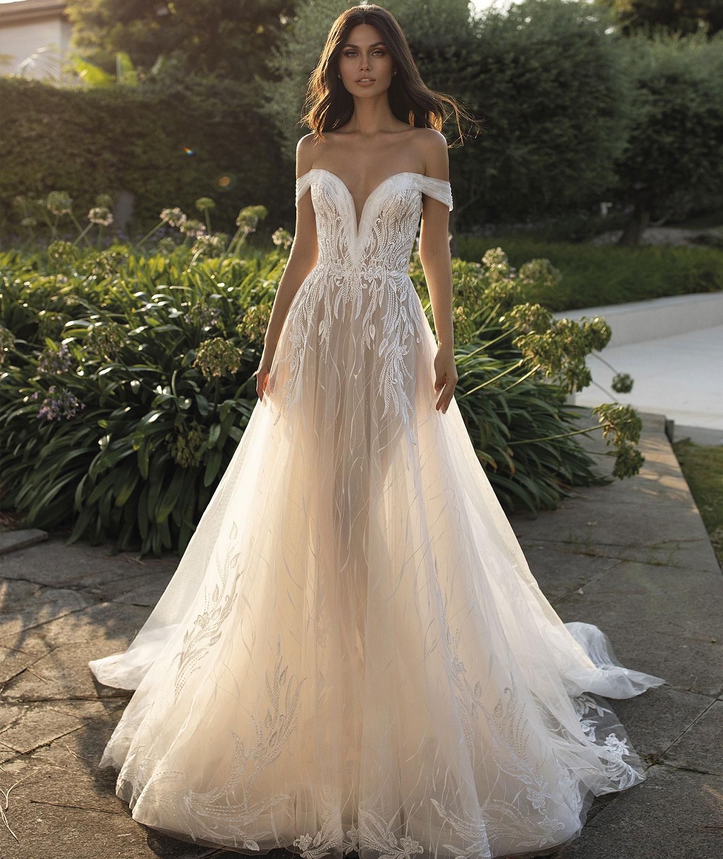 vestuvines-sukneles-pronovias-cloe