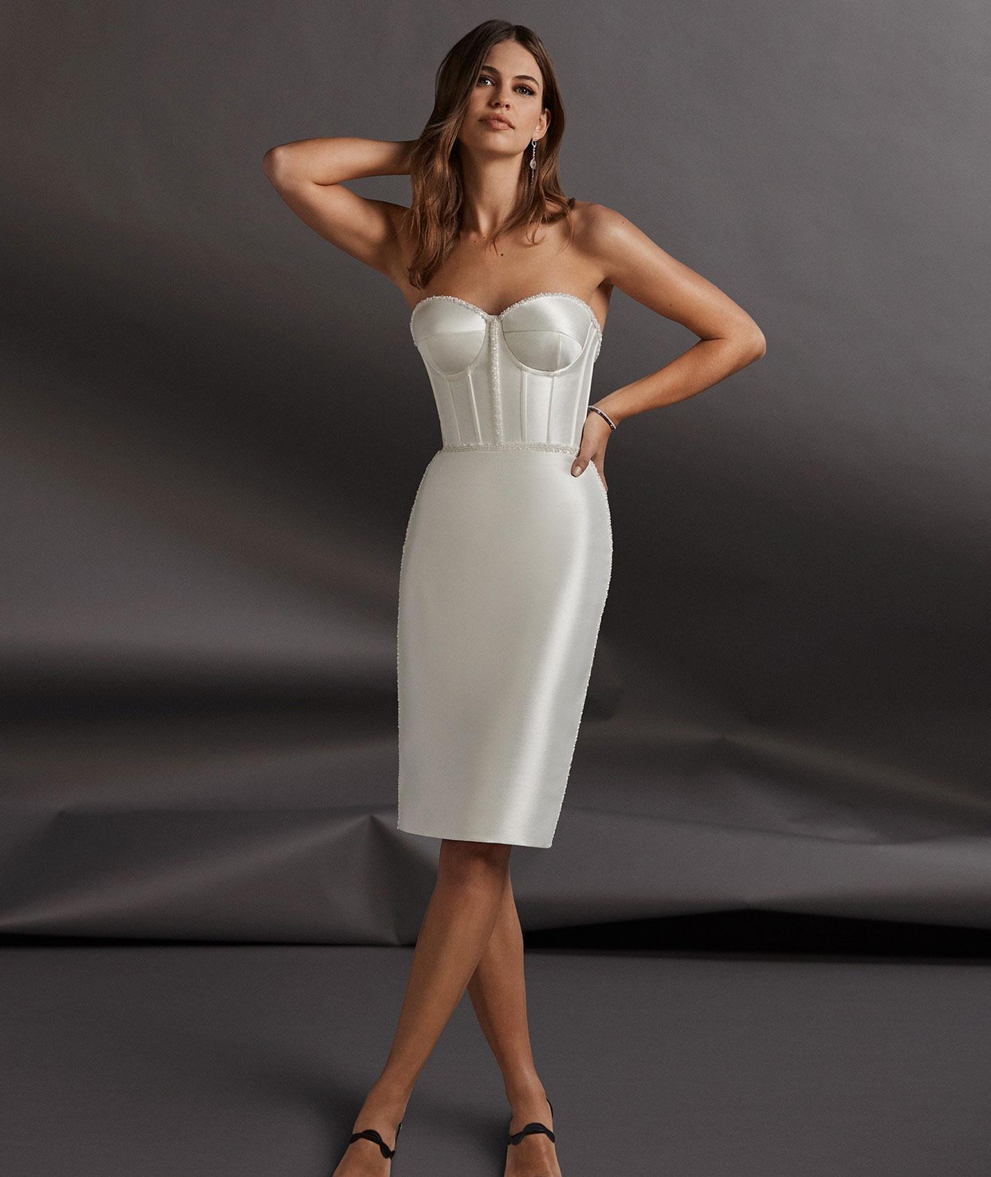 vestuvines-sukneles-pronovias-lowe