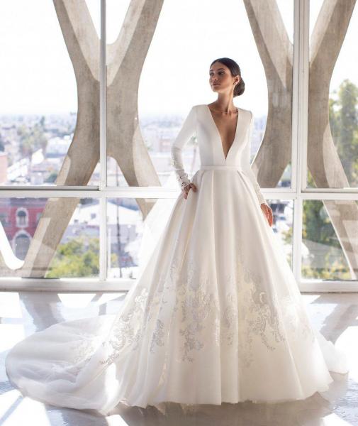 Brown vestuvinė suknelė