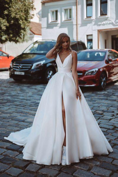 Grace Var wedding dress