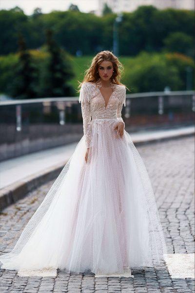 Mubi wedding dress